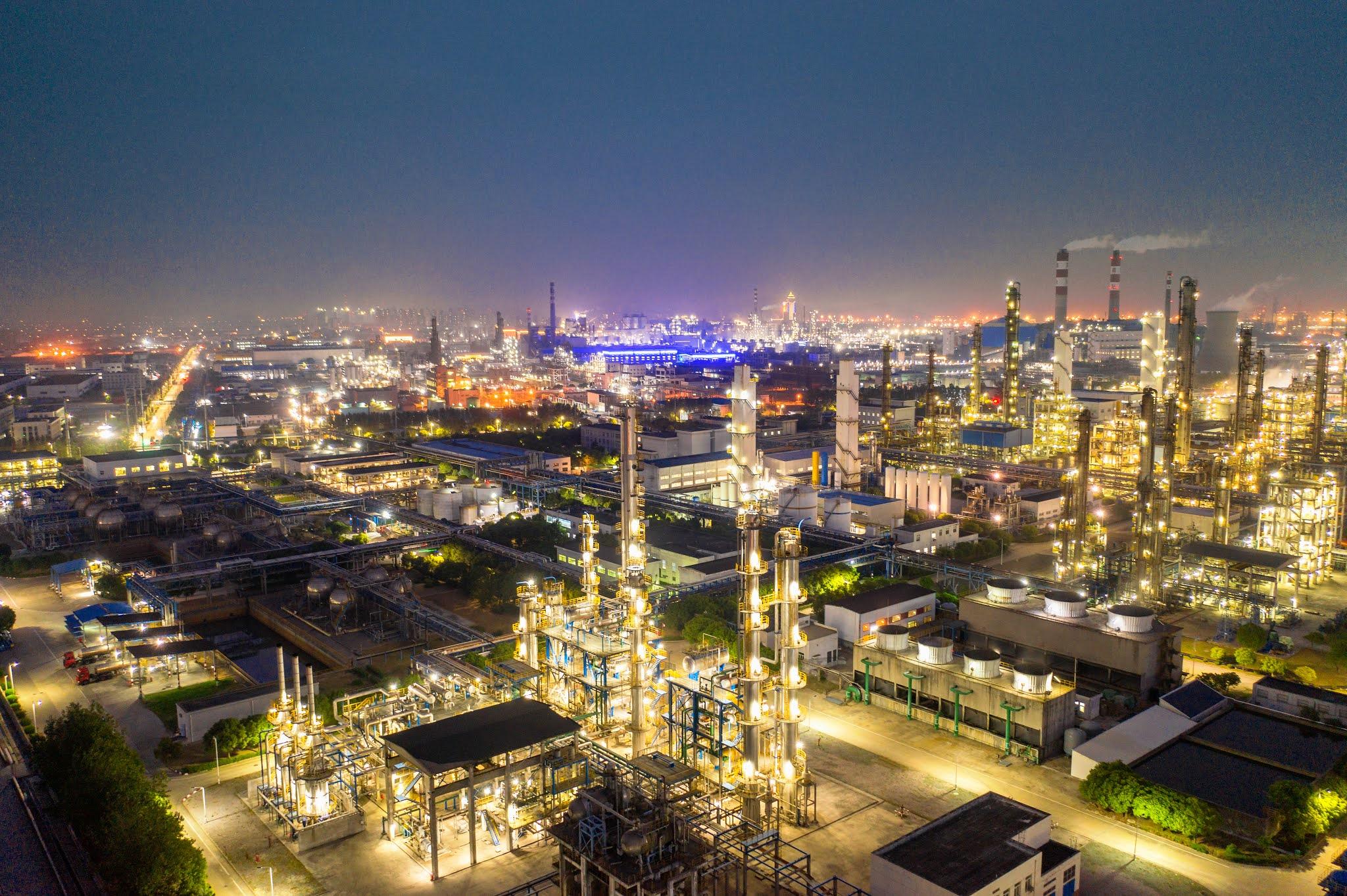 الإمارات الأولى عربيا في استقطاب أهم الاستثمارات
