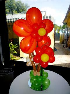 Flower balloon centerpiece for party decoration ideas