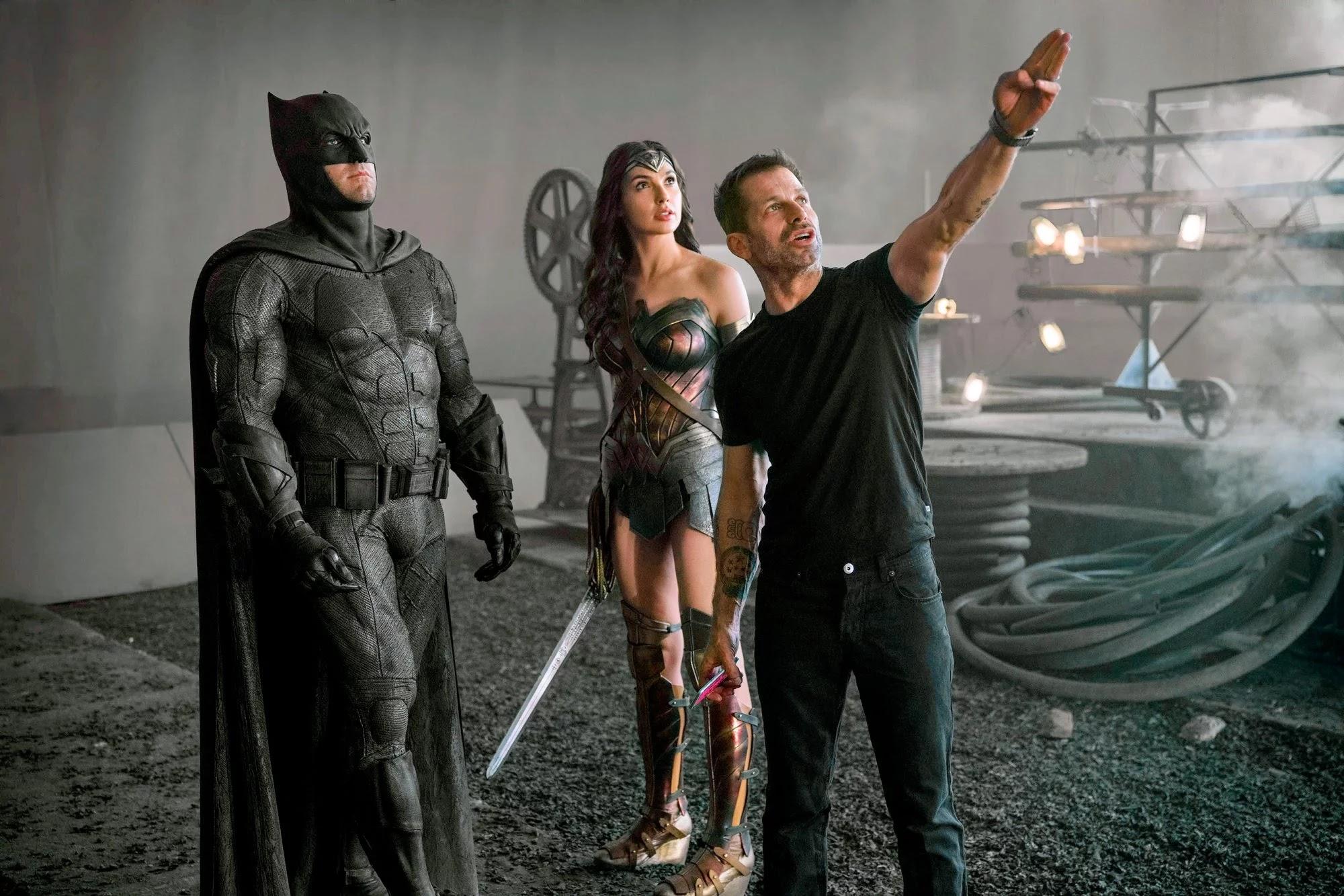 Liga da Justiça: Zack Snyder filmará novas cenas com Affleck, Gadot, Fisher e mais