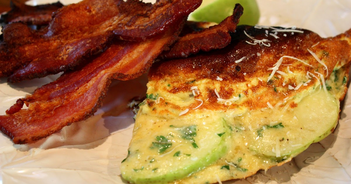 Eat Live Grow Paleo : Eggs with Apples, Cheese and Bacon