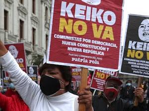 Miles de ciudadanos marcharon contra la candidatura de Keiko Fujimori