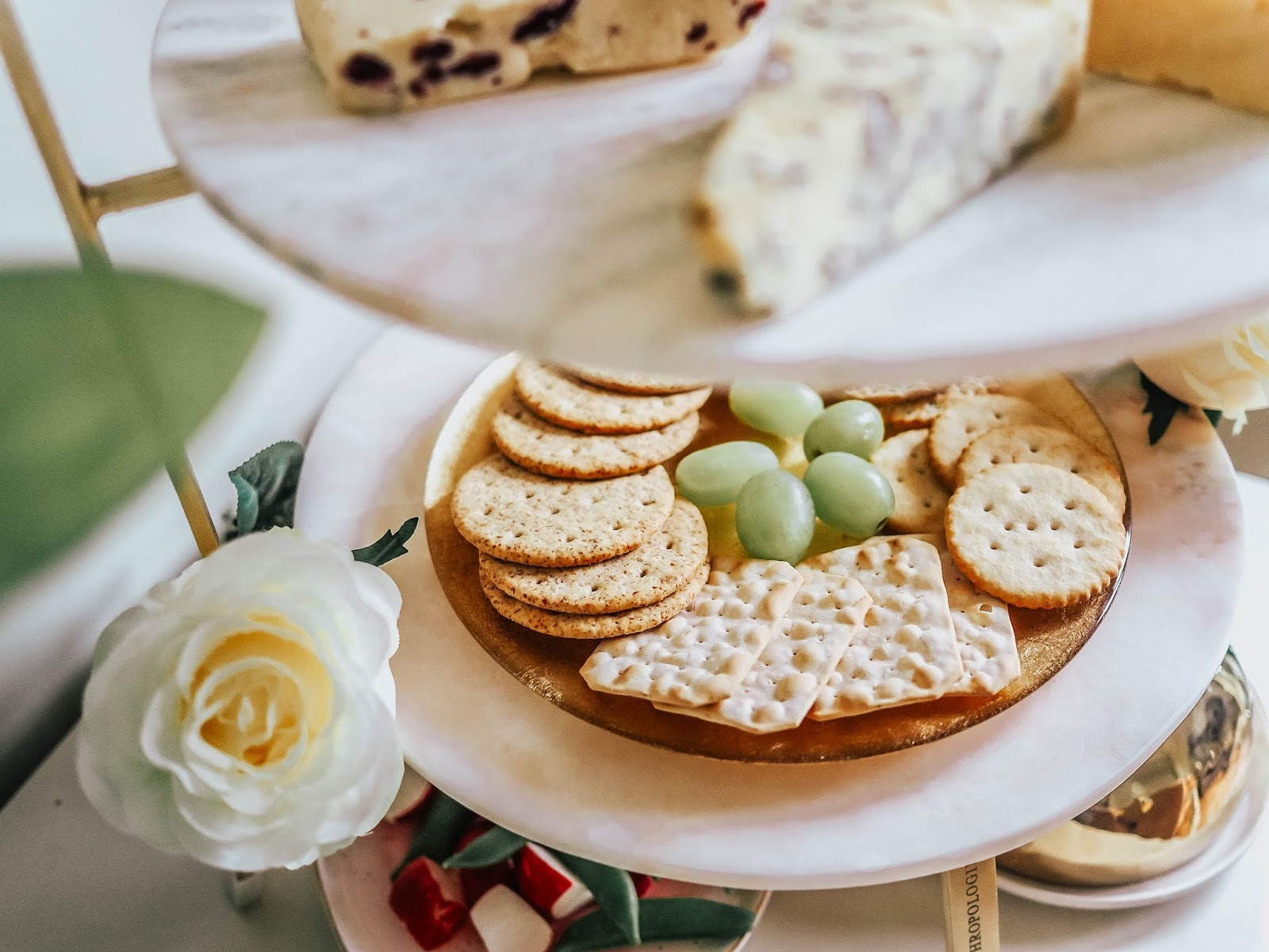 Grapes crackers and cheese