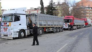 """ضمن حملة """"معاً بجانب إدلب""""..تركيا ترسل 7 شاحنات إغاثية إلى إدلب"""