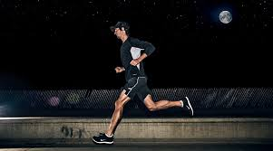 Kenali bahaya berolahraga saat malam hari untuk kesehatan