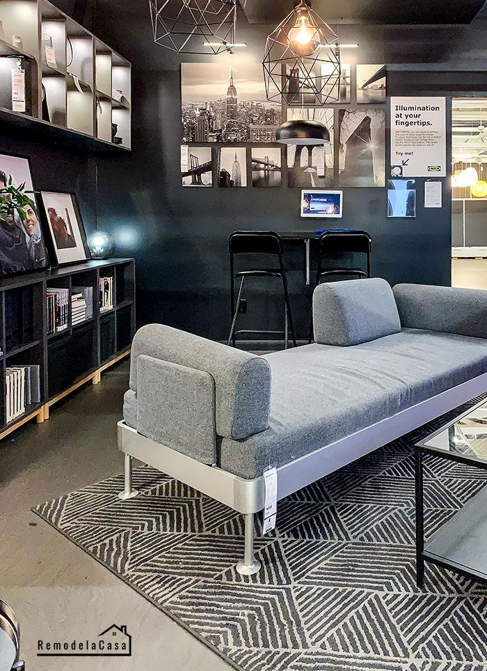 Moody game - tv room