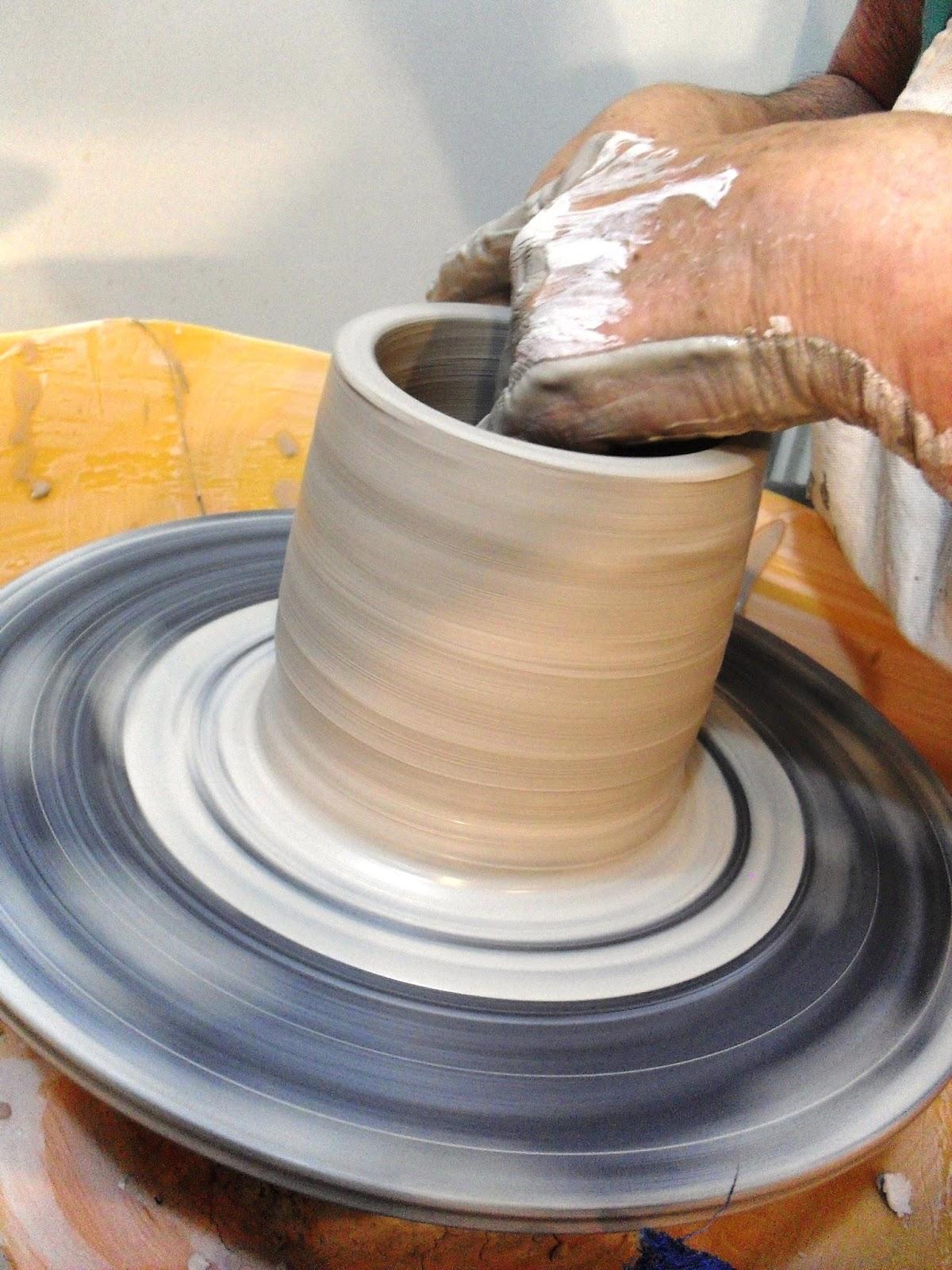 Ceramica azucena acevedo alfareria en torno clases san for Ceramica buenos aires