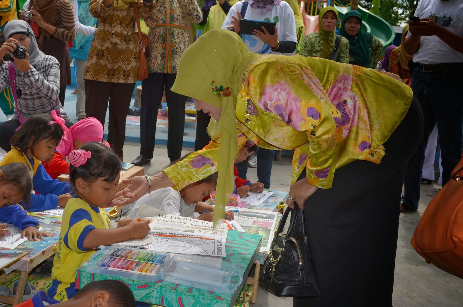 JOMBANG Ketua TP PKK Kabupaten Jombang Buka Lomba Mewarnai