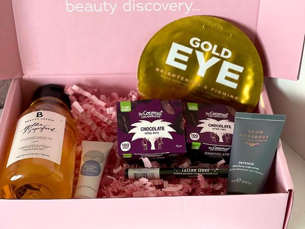 April 2021 beauty box Roccabox unboxing.