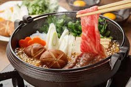 Nikmatnya Hidangan Menu Sukiyaki ala Kedai di Jepang