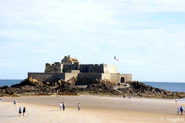 Fort National isolotto raggiungibile a piedi con la bassa marea