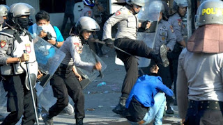 YLBHI: Polisi Harusnya Rawat Demonstran Yang ditahan, Bukan Malah Berbuat Kekerasan