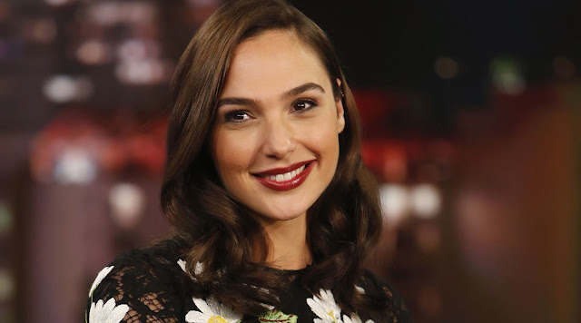 gal gadot smile sexiest beauty