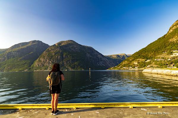 Puerto de Eidfjord - Noruega, por El Guisante Verde Project