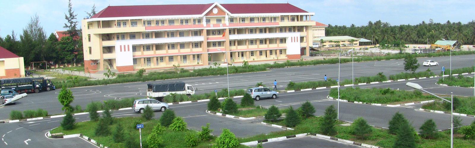 Trung tâm đào tạo lái xe ô tô hạng B1, B2, C số 1 Hà Nội