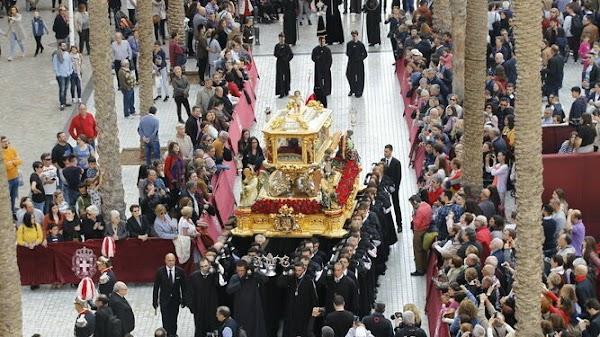 El obispo acepta el cambio de la Carrera Oficial almeriense