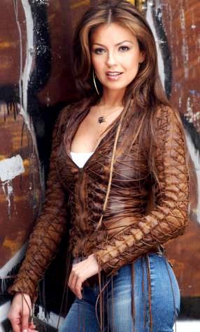 Foto de Thalía con cabello suelto