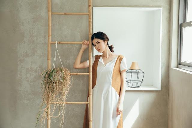 最美的夜 短袖拼接長洋裝浮光白