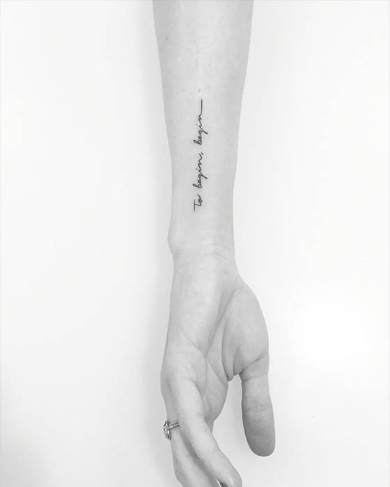 tatuaje frase antebrazo