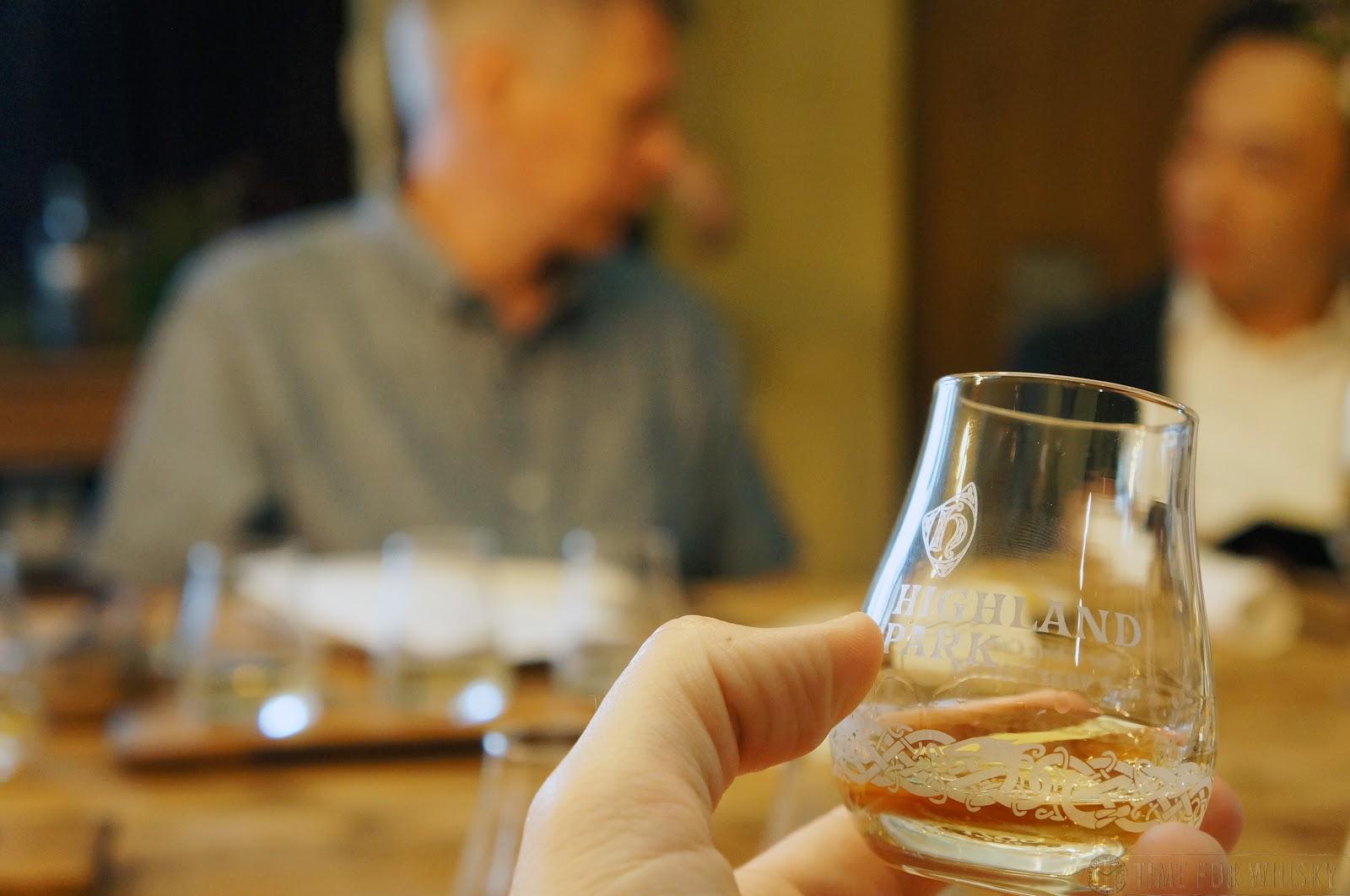 New RARE Pair Haig Scotch Whisky Tumbler Glasses Heavy Quality Pieces