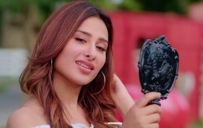 Aida Hi Sohni Lyrics - Rohanpreet Singh Ft. Mahira Sharma