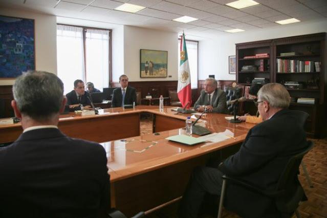 Presidente afianza con Pfizer compromiso de entrega de vacunas