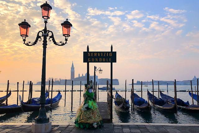 Kdy na Benátský karneval? Přes týden? O víkendu? Masky, foto