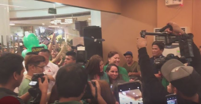 Angel Locsin Got Mobbed By Her Fans At The Festival Mall