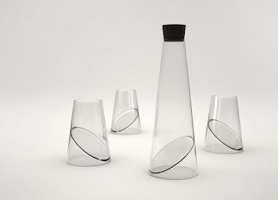 Vasos y jarra con diseño futurista