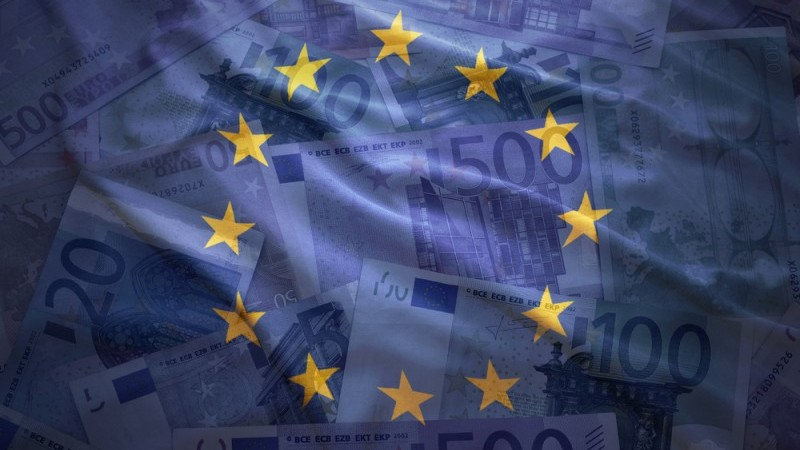 Инфляция в еврозоне остается отрицательной в преддверии заседания ЕЦБ