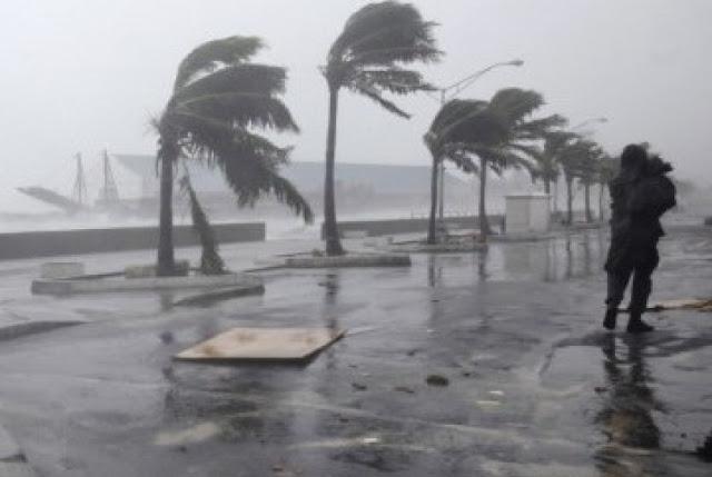 foto angin topan jepang