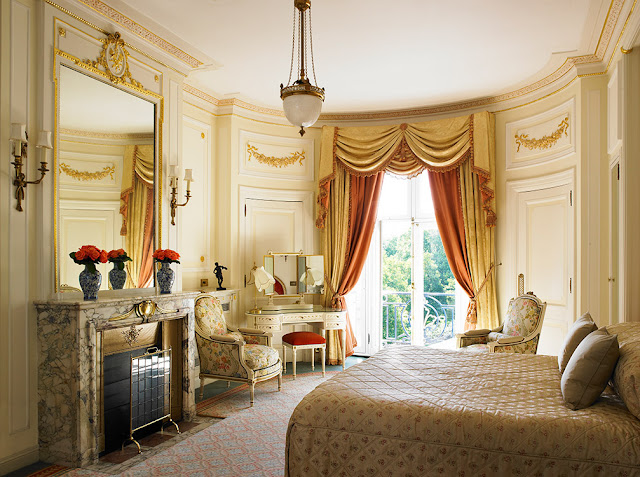 The Ritz Hotel - www.all-about-london.com