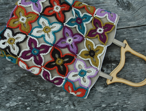 Crochet bag, peacock butterfly flowers. Scheepjes Linen Soft | Happy in Red