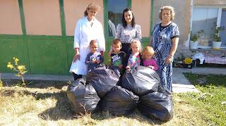 """Детската градина в Црънча се включи в инициативата """"Да изчистим България за един ден"""" ... Снимка"""