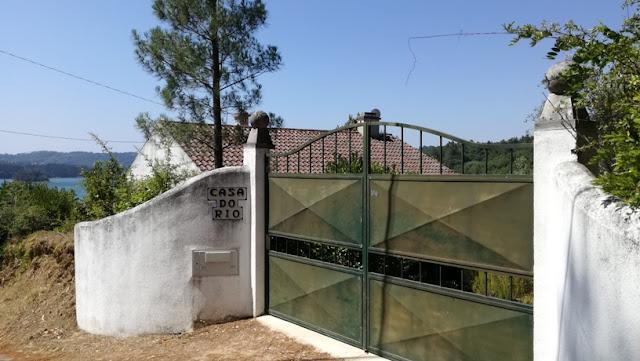 Casa do Rio na Praia de Montes