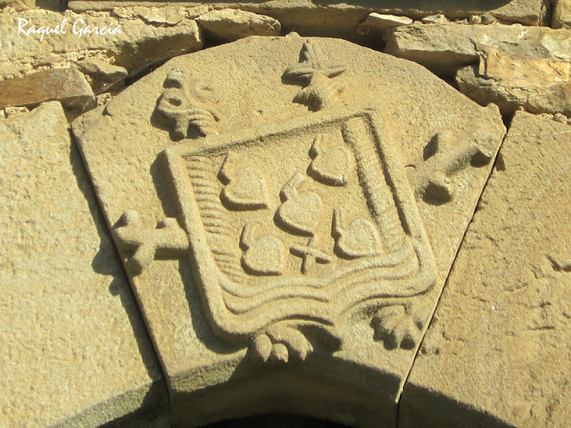 Escudo en la Torre de Mariaka en Amurrio (Álava)