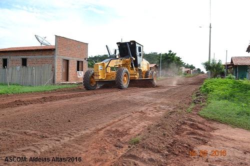 Ruas começam a ser preparadas para receber asfalto em Aldeias Altas
