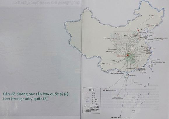 Saigontourist dùng ấn phẩm du lịch có 'đường lưỡi bò' phát cho khách