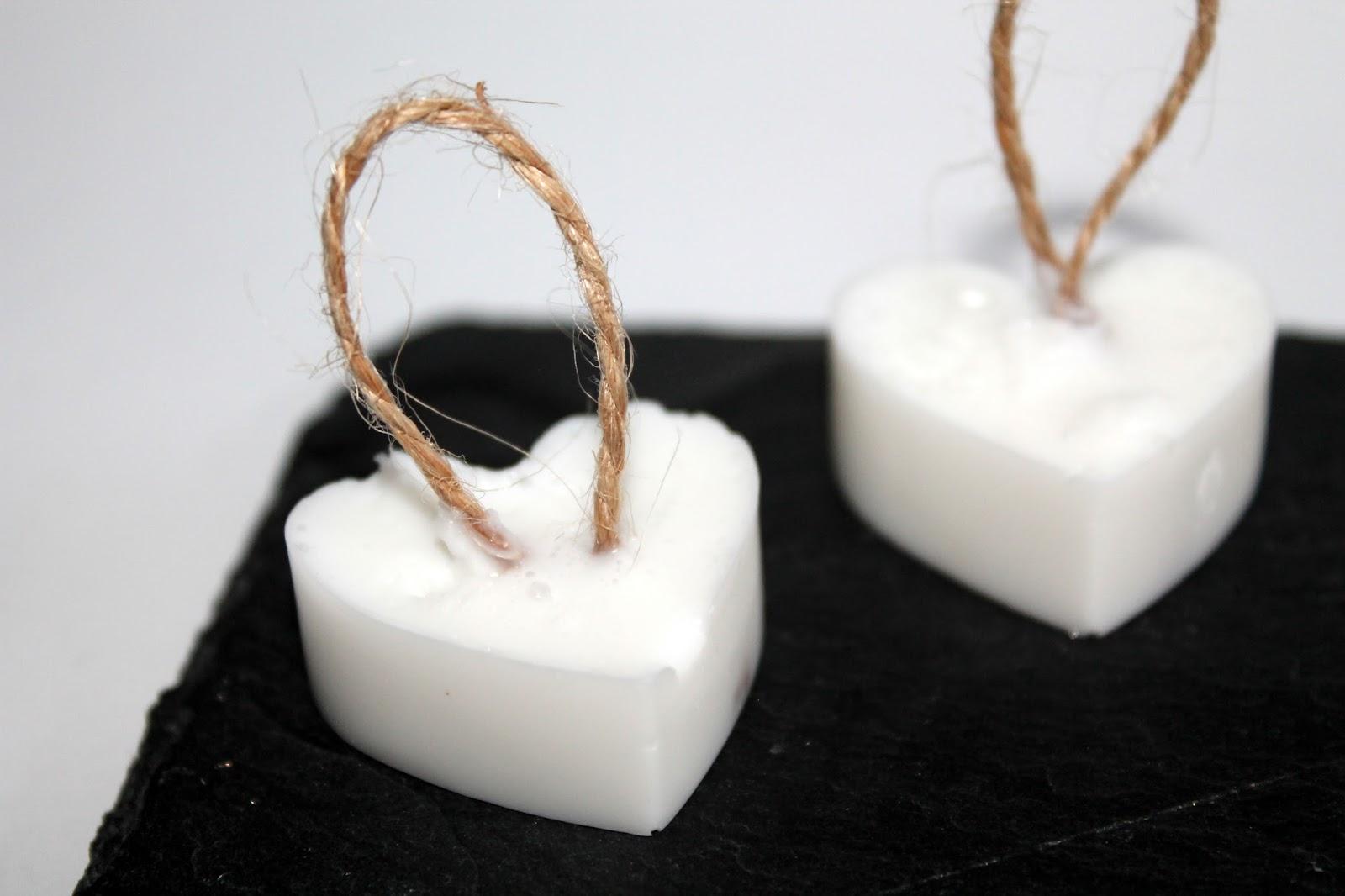DIY, Basteln: Seifenherzen mit Kordel Vanille als Geschenkidee, Kosmetik, Beauty und Wohndekoration - DIYCarinchen