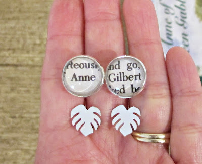 monstera earrings Anne of green gables anne shirley gilbert blythe two cheeky monkeys bookworm gift literary bookish