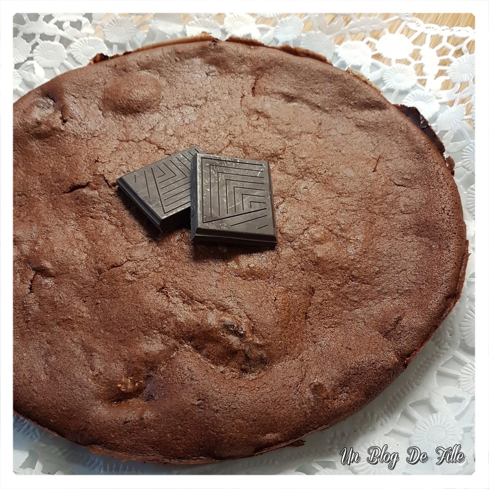 http://www.unblogdefille.fr/2019/05/recette-gateau-chocolat-courgette-au.html