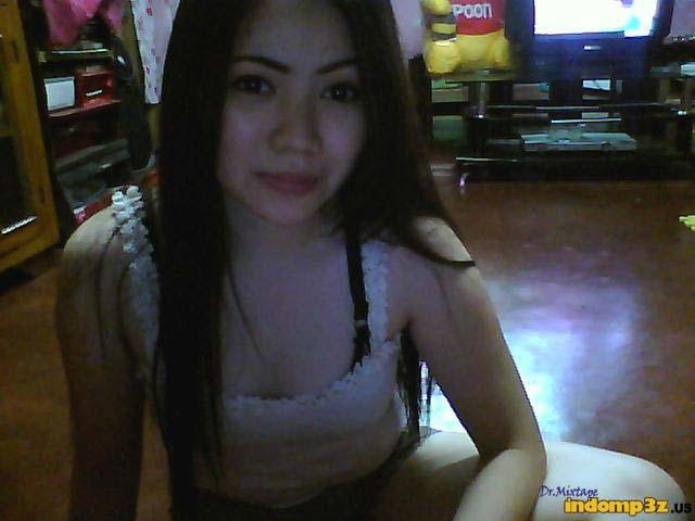 Foto Hot Tante Cantik Lagi Narsis