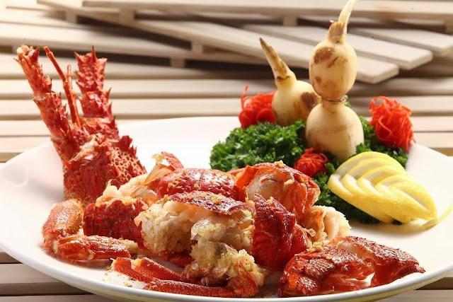 tentunya sudah tidak absurd lagi dong dengan kuliner yang diolah dari lobster Resep Lobster Goreng Kering Lezat