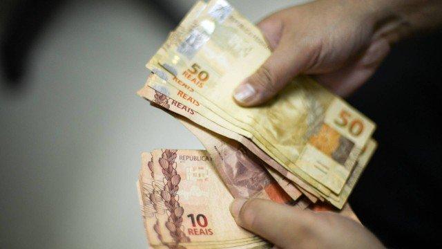 Mulheres chefes de família receberão auxílio emergencial de R$ 1.200