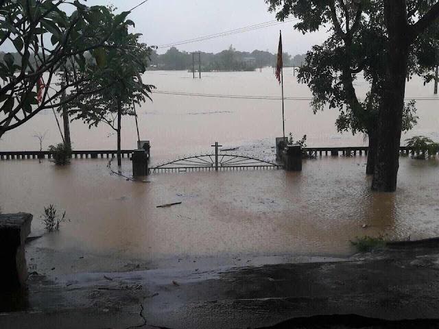 Toàn cảnh lũ lụt tại Ninh Bình và hoạt động cứu trợ tại Thanh Hoá - Ảnh minh hoạ 10