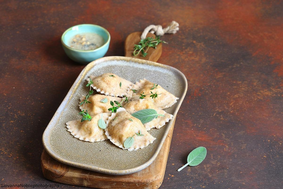 Ravioli zucca e ricotta e fonduta di gorgonzola