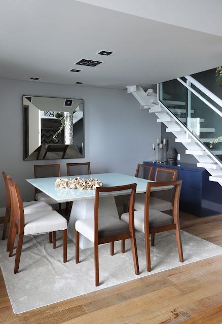 sala-de-jantar-mesa-quadrada