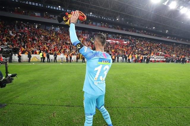 Galatasaray, Göztepe'den ayrılan Portekizli kaleci Beto ile anlaştı..