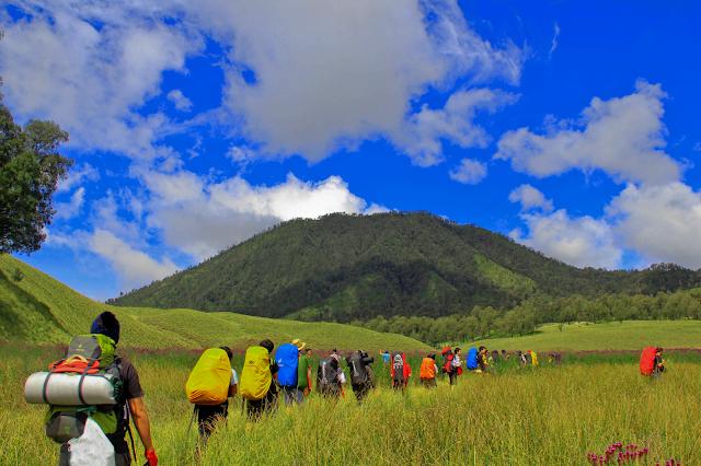 Rute Pendakian Gunung Menuju Puncak Semeru