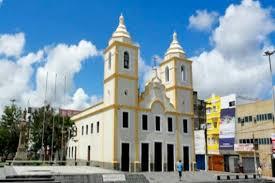 Mesmo com projeto aprovado para abertura dos templos religiosos, Paulo Câmara proíbe através de novo decreto