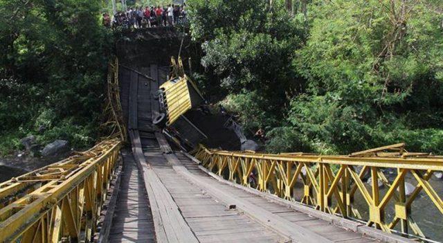 Jembatan Cinta Atau Jembatan Kuning Di Bali Ambruk
